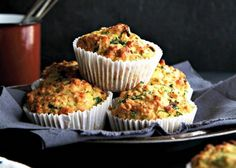 Easy zucchini muffins Healthy Salad Recipes, Baby Food Recipes, Baking Recipes, Healthy Desserts, Snack Recipes, Healthy Dinners, Healthy Foods, Zucchini Muffins, Healthy Muffins