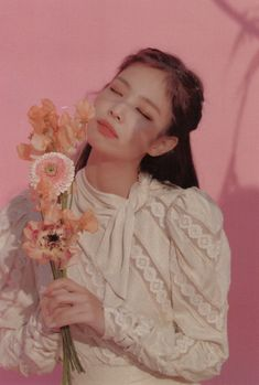 Image uploaded by Blackpink. Find images and videos about kpop, rose and blackpink on We Heart It - the app to get lost in what you love.