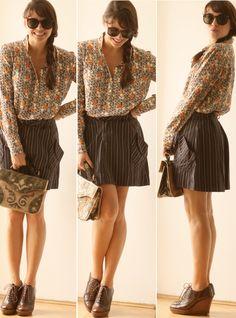 Amei a ideia da saia listradinha com a camisa estampada e ainda por cima tudo com uma carinha de outono.