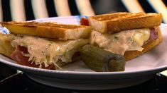 This Reuben sandwich recipe makes enough for one sandwich, including the Russian dressing. Just scale it up to make more sandwiches, and any extra dressing will keep in the fridge. Reuben Sandwich, Sandwich Recipes, Alton Brown, Russian Dressing, Nom Nom, Sandwiches, Flutes, Fat, Content