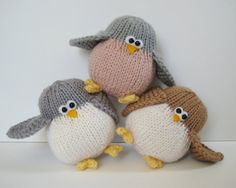 Juggle birdies nest and egg toy knitting patterns von fluffandfuzz