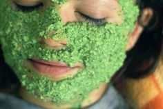Parsley contains natural astringent properties that neutralise sebum secretion. When massaged topically it eradicates deadly toxins, opens up blocked pores and alleviates acne and pimple scars keeping the skin radiantly soft and smooth. Pimple Scars, Acne And Pimples, Pore Mask, Skin Mask, Home Remedies For Acne, Acne Remedies, Homemade Face Masks, Homemade Skin Care, Crema Facial Natural