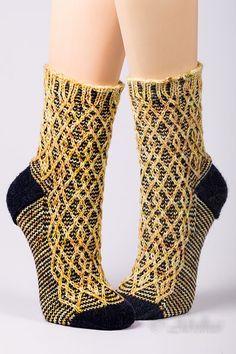 Ravelry: Project Gallery for *Laxos* pattern by Birgit Freyer Crochet Socks, Knitting Socks, Baby Knitting, Knit Crochet, Knitted Slippers, Crochet Granny, Loom Knitting, Free Knitting, Knitting Machine