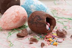 How to Make a Chocolate Pinata Easter Egg #chocolate #egg #making #diy #easter