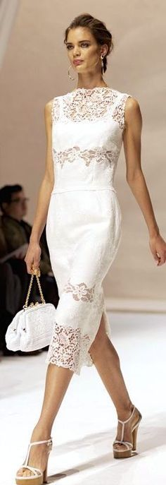 At Dolce & Gabbana « The Sartorialist ; Obviously I need a purse and shoes in the same shade as my white dress. White Fashion, Love Fashion, Runway Fashion, Fashion Design, Fashion Ideas, Ladies Fashion, Dress Fashion, Feminine Fashion, Gq Fashion