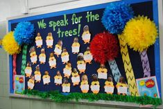 The Lorax Bulletin Board Theme Informations About The Lorax Bulletin Board Theme Pin You can easily Dr Seuss Bulletin Board, Creative Bulletin Boards, Classroom Bulletin Boards, Classroom Themes, March Bulletin Board Ideas, Classroom Door, Dr Seuss Week, Dr Suess, Dr Seuss Activities
