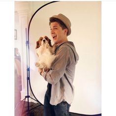 Image about cute in Charlie Puth🎹 by Stilinski♡ Charlie Puth, Charlie Charlie, Cute Celebrities, Celebs, Dear Future Husband, Cute Guys, My Idol, Handsome, My Love
