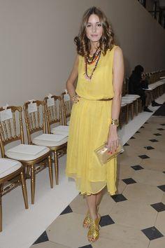 Olivia Palermo en robe Topshop jaune, fluide et très élégante