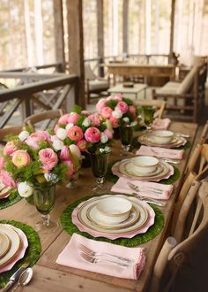 Easter Tablescape at the Farm. Even if you are not hosting Easter lunch/dinner at your house, you can still use all of this for a fancy spring dinner party! Cathell lunch Easter Tablescape at the Farm - J Cathell Easter Table Settings, Easter Table Decorations, Decoration Table, Easter Decor, Easter Crafts, Easter Centerpiece, Easter Ideas, Easter Lunch, Easter Dinner