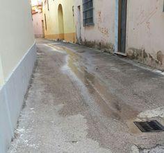 """LA SEGNALAZIONE - Perdita d'acqua eterna: """"Da 30 giorni nessuno viene a riparare"""" a cura di Redazione - http://www.vivicasagiove.it/notizie/la-segnalazione-perdita-dacqua-eterna-30-giorni-nessuno-viene-riparare/"""