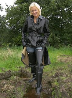 Nurse Candy Rakowski in a black rubber raincoat & waders. Wellies Boots, Rain Boots, Country Wear, Rubber Raincoats, Thigh High Boots Heels, Rain Gear, Hooded Raincoat, Black Raincoat, Raincoats For Women