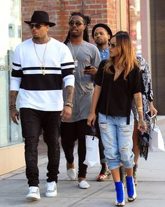 Chris Brown was seen out shopping in Beverly Hills, California with friends. Chris was seen with girlfriend Karrueche, Karrueche's brother and stylist and friend EJ King. The crew is out shopping and Chris stole the show wearing a black… Continue Reading →