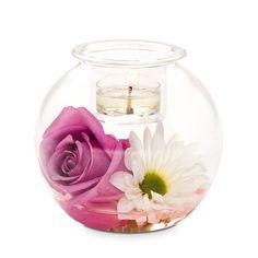 Luovuus pyöreä -somiste   P92576   Puhalletusta lasista valmistettu alaosa, yläosana irrotettava votiivilasi. Korkeus 10 cm. (Votiivilasissa: Votiivi, Tuikkiva)