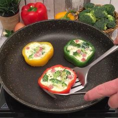 Healthy Omelette, Veggie Omelette, Healthy Breakfast Recipes, Healthy Snacks, Healthy Eating, Healthy Recipes, Breakfast Ideas, Whole 30 Recipes, Chefs
