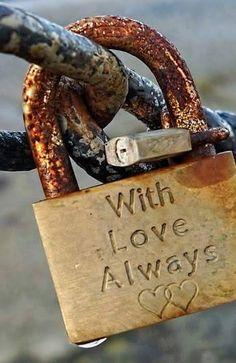 "sadly the ""Love Bridge"" in Paris began removal of the 'love locks' this past year Rust Never Sleeps, Rust In Peace, Under Lock And Key, Love Lock, Old Keys, Knobs And Knockers, Photo D Art, Rusty Metal, Vintage Keys"