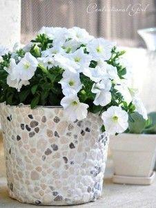 Květináč z kamínků