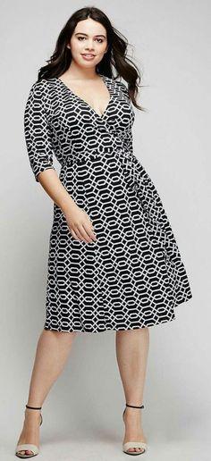 Plus Size Wrap Dress--needs to be a couple of inches longer Vestidos Plus Size, Plus Size Dresses, Plus Size Outfits, Curvy Fashion, Girl Fashion, Fashion Dresses, Plus Fashion, Moda Fashion, Plus Size Fashion For Women