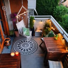 The Best 20 Garden Decoration Ideas Of 2019 Apartment Porch, Apartment Balcony Decorating, Apartment Balconies, City Apartments, Friends Apartment, Apartments Decorating, Small Patio Decorating, Small Backyard Patio, Outdoor Balcony