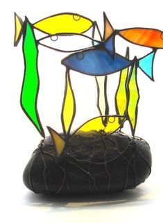 Painted Glass Art Old Windows Modern Stained Glass, Stained Glass Flowers, Stained Glass Projects, Stained Glass Patterns, Stained Glass Art, Sharpie Glass, Glass Art Pictures, Fish Ornaments, Glass Animals