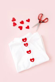 Update your button-down for Valentine's with this DIY Valentine's Day Button Covers / Hey, EEP! Update your button-down for Valentine's with this DIY Valentine's Day Button Covers / Hey, EEP! My Funny Valentine, Saint Valentine, Valentines For Kids, Valentine Day Crafts, Heart Button, Idee Diy, Heart Shirt, Valentine's Day Diy, Diy And Crafts