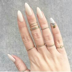 nails, rings, and Nude Bild