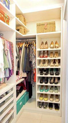 Closet Pequeno Quartos Casal Ideas For 2020 Walk In Closet Small, Walk In Closet Design, Small Closets, Dream Closets, Closet Designs, Closet Walk-in, Closet Space, Closet Storage, Bedroom Storage
