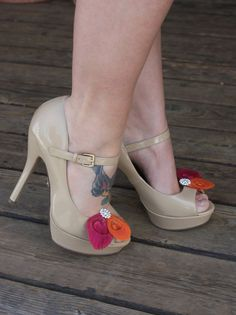 cute shoes and feather clips