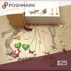 Lot of jewelry Necklaces, bracelets, earrings and pins! Jewelry