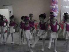 Giovanna apresentação do ballet dia das maes