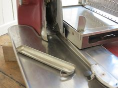 Açougues Berkel e Parnalls carne ou bacon Slicer Enfield Middlesex, Meat Slicers, Cast Iron Radiators, Architectural Antiques, Prosciutto, The Originals, Retro, Back Fat, Home