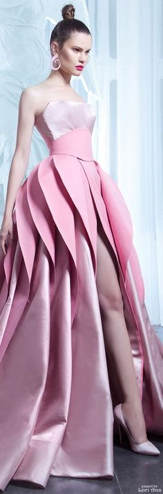 Pinky Pleasures With Nicolas Jebran~ Couture 2015 Collection Couture 2015, Style Haute Couture, Couture Fashion, Pink Fashion, Fashion Show, Mode Rose, Fashion Details, Fashion Design, Mode Style