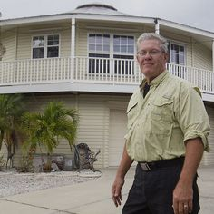 FORT MYERS, Fla. -- Builder says the dome-shaped homes' aerodynamics make them safer during big storms.
