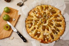 Une tarte briochée prunes, facile à réaliser, gourmande à souhait, idéale pour un petit dej'/brunch/goûter. Un délice de saison à partager !