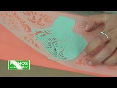 Cómo intervenir una cómoda con Chalk Paste, stencil y Chalk Paint ~ OH M... Oh My Chalk, Stencils, Decoupage, Youtube, Diy, Hydro Dipping, Accent Pieces, Home Crafts, Furniture Restoration