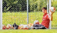 Mario :) Mario Gomez, My Sisters Keeper, Jodi Picoult, Soccer, Sleep, Guys, Futbol, European Football, Soccer Ball
