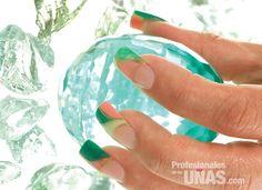Diseño uñas (nails): Retoque de color Trabajo de: Evento New Nails  Técnica Master: Lillybeth de León Nivel de trabajo: Avanzado Retoque en: 3 semanas Evento: Quince años, Graduaciones y Bodas en jardín Técnica: Encapsulado