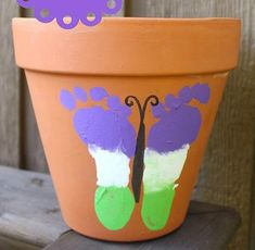 Footprint Butterfly Flower Pot: Every time mom looks at the adorable Footprint Butterfly Flower Pot her kiddo made her for Mother's Day, her heart will flutter like a butterfly's wings. Mama Papa Bubba walks you through the easy, and fun, steps (no pun intended) to make this darling homemade gift.