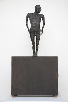SENZA TITOLO  terracotta, legno  60x40x15  2006