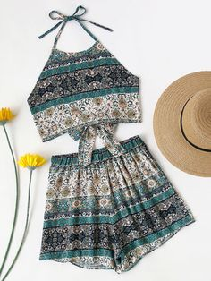Shein Allover Printed Knot Open Back Top And Shorts Set Casual Summer Outfits For Teens, Casual Weekend Outfit, Cute Teen Outfits, Summer Fashion Outfits, Boho Outfits, Vintage Outfits, Preteen Fashion, Crop Top Outfits, Cute Rompers