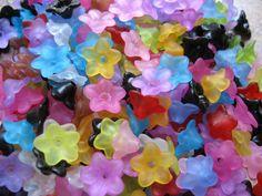 Pretty lucite flowers make pretty drop earrings