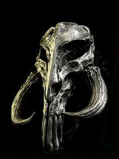Mandalorian Skull Star Wars limited edition Mini Sculpture by Regal Robot