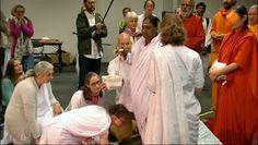 Deze week staat NPO Spirit in het teken van de knuffel.  Ons weekthema is De Kracht van Knuffelen. Bekijk de special, met onder andere knuffelgoeroe Moeder Amma en de heilzame werking van knuffelkatten.  http://www.spirit24.nl/#!player/info/program:39877525/group:50427121