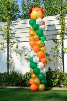 Jungle Party Balloon Column by @Fantasyparty