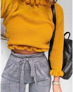 "13 likerklikk, 2 kommentarer – Fashion Inspo (@fashiion.inspiiration) på Instagram: ""Yellow ruffled sweaters and plaid pants - - - - @fashioninflux - - - - - - #fashion #style…"""