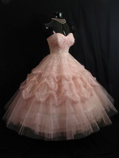 Vintage 1950's 50s STRAPLESS Bombshell Cupcake Pink Tulle Lace Rhinestones Party WEDDING Prom Dress Gown