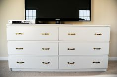 How to paint laminate furniture : IKEA Malm dresser gets a makeover #furniture #makeover