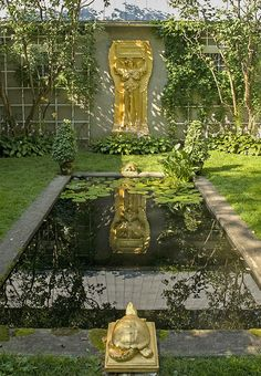 The great American sculptor Augustus Saint-Gaudens summered in Cornish, New Hampshire, beginning in the mid-1880s. Amid the broad lawns, deep woods, and sculptural hedges, Saint-Gaudens installed statuary from antiquity as well as his own work, such as this gilded-bronze cast of Amor Caritas at one end of an atrium court.