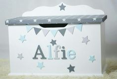 personalised toy box children baby kids first birthday Christmas bespoke handmade Dreambox toy boxes names bedroom nursery furniture storage parents pregnancy newborn new parents home style blue grey stars bunting