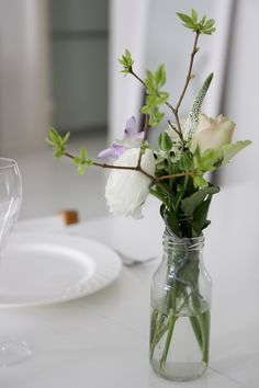 Homevialaura | Table setting celebrating spring