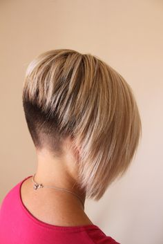 fade nape inverted bob_ LOVE this!! (Try for late spring...??)